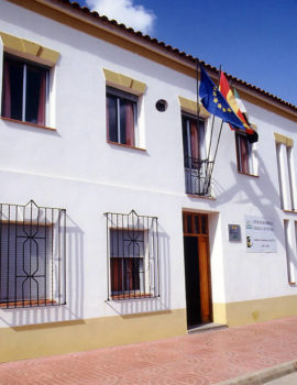 Foto fachada de la sede de CEDECO en Monesterio